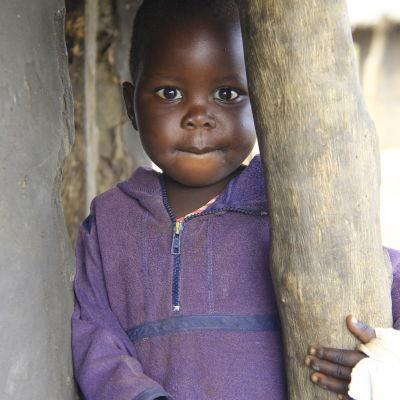 flicka i norra uganda