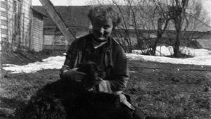 Edith Södergran med hund