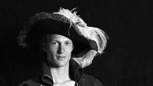 Johan Fagerudd som Gustaf Bertila