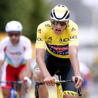 Mathieu van der Poel johtaa Ranskassa.