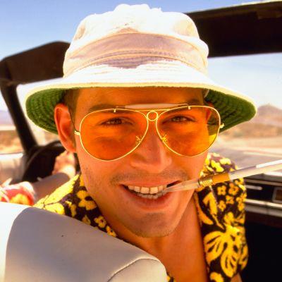 Benicio Del Toro ja Johnny Depp elokuvassa Pelkoa ja inhoa Las Vegasissa (1998)