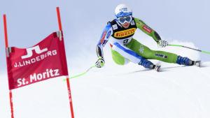 Sloveniens Ilka Stuhec i en fartfylld sväng i super-G-tävlingen där hon slutade elva.