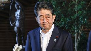 Japans premiärminister Shinzo Abe är upprörd och hotar med motåtgärder mot Nordkorea