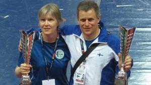 Tävlare Päivi Mäkinen och landslagstränare Rafael Kesti i EM i Italien.