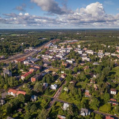 Flygbild över Karis centrum.