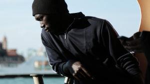 Eurooppaan pyrki viime vuonna miljoona pakolaista. Heistä 75  tallensi itse vaarallisen matkan.
