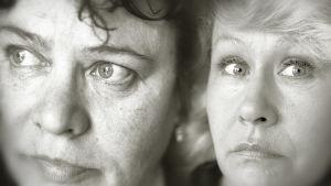 Näyttelijät Tuula Nyman ja Eeva Litmanen lähikuvassa.