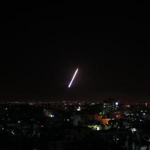 Raket avfyras från Rafah mot Israel (14.11 2012).