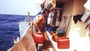 Santiago Génoves ombord på Acali-flotten.