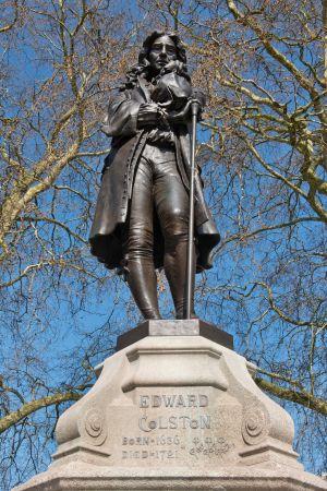 Edward Colston, slavhandlare. Staty i Bristol.
