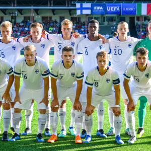 Finlands startelva i premiären mot Italien.