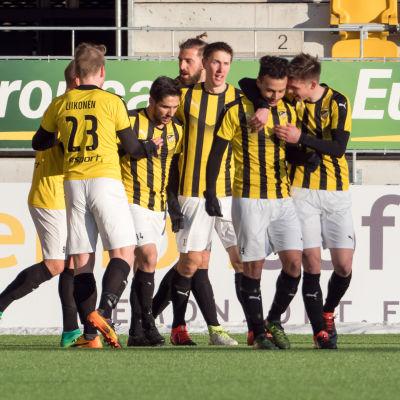 FC Honka besegrade SJK i kvartsfinalen i finska cupen.