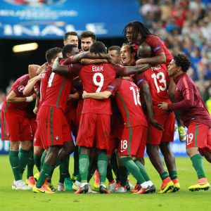 Portugals spelare firar EM-guldet 2016.
