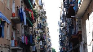Pyykkejä kuivumassa Barcelonan kadulla