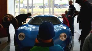 Superelbilen Toroidion visas första gången upp för allmänheten.