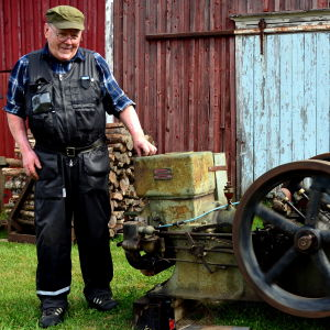 Alf Pått med sin landmotor