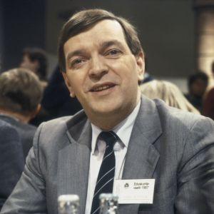 Keskustapuolueen puheenjohtaja Paavo Väyrynen Yleisradion vaalivalvojaisissa Eduskuntavaaleissa 1987.