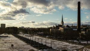 Tallinns Gamla stad sedd från Linnahall.