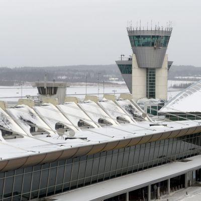 Kontrolltorn vid Helsingfors-Vanda flygplats.