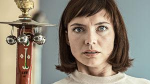 Anne-Marie i tv-serien Mercur.