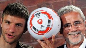 Thomas Müller (t.v.) och Gerd Müller år 2010.