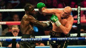 Deontay Wilder är i trubbel mot Tyson Fury.