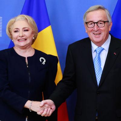 Rumäniens premiärinister Viorica Dancila träffade EU-kommissionens ordförande Jean-Claude Juncker i början av december. Sedermera har Juncker uttryck misstankar om att Rumänien inte är färdigt att ta över som EU-ordförande.