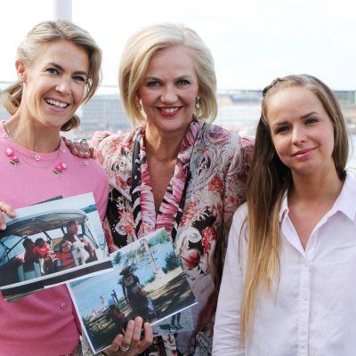 Kesäksi kotiin -sarjassa Ella Kannisen vieraina ovat Tarja Visan ja Anna-Julia Kontio.