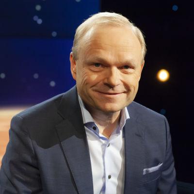 Pekka Lundmark besöker Daniel Olin.