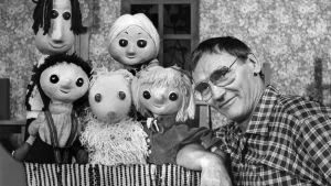 Martti Kainulainen lastenohjelmassa Martin allakka vuodelta 1979.