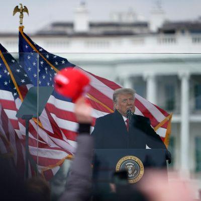 Donald Trump håller tal till sina anhängare 6.1.2021