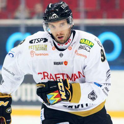 Oskar Osala, ishockeyspelare