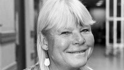 En svartvit porträttbild av den svenska skådespelaren Anki Larsson.