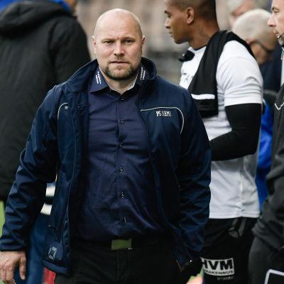 Jari Åhman är tränare för PS Kemi i fotbollsligan.