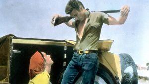 James Dean ja Elizabeth Taylor elokuvassa Jättiläinen, ohjaus George Stevens.