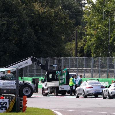 Obehaglig olycka i Monza i F3-serien.