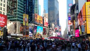 Autoilta vapautunut Times Square, New York
