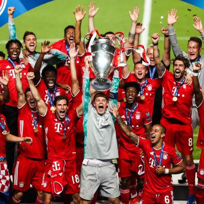 Bayern München firar Champions League-titeln.