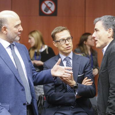 EU-kommissionär Pierre Moscovici, Finlands finansminister Alexander Stubb och Greklands finansminister  Euclid Tsakalotos.