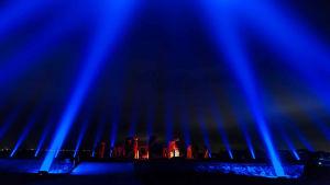 Stonehenge valotaiteilija Kari Kolan valaisemana kesällä 2018