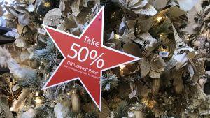 50% rabatt redan på juldekorationerna i varuhus i New York