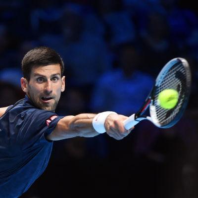 Novak Djokovic i elden vid ATP-finalerna i London.