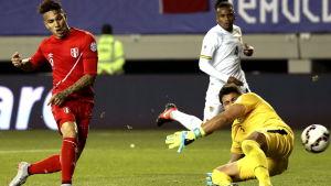 Paolo Guerrero gör mål