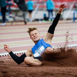 Kristian Bäck hoppar längd, PNG 2017.