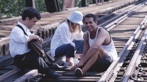 Pter Dinklage, Patricia Clarkson ja Bobby Cannavale elokuvassa Yksinäinen asemapäällikkö