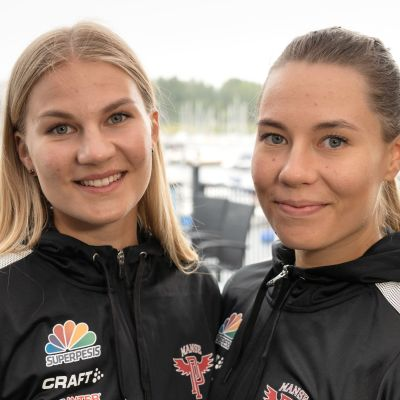 Senni ja Emma Sallinen tavoittelevat mestaruutta Manse PP:n paidassa.