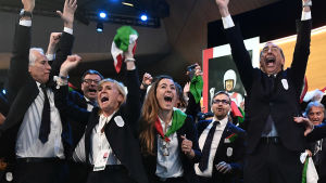Glada italienare efter att landets värdskap för vinter-OS 2026 var säkrat.