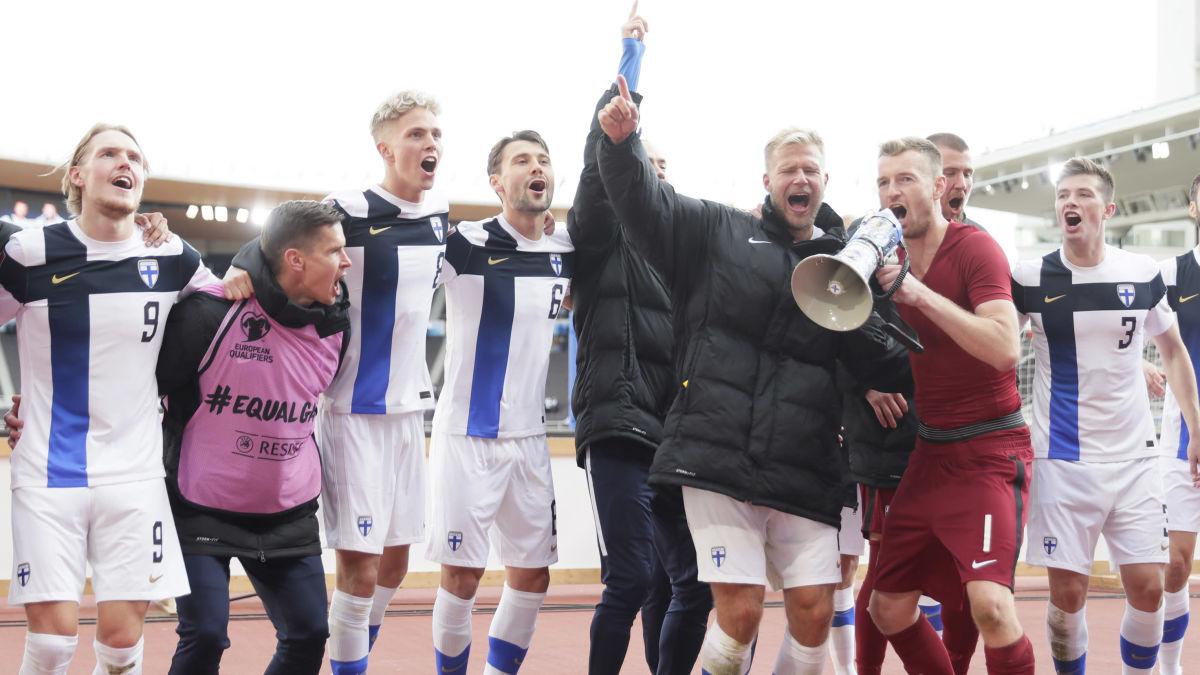 """Finlands drömscenario: Frustrerade fransmän – Lukas Hradecky inför tunga kvalmatchen: """"Håll nollan och peta in en ..."""