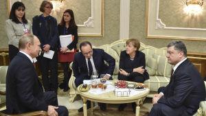 Presidenterna Putin, Hollande, Porosjenko och förbundskansler Merkel i Minsk.