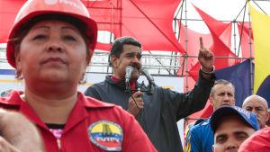 """""""Jag vill inte ha inbördeskrig"""" sade Venezuelas president Nicolás Maduro i sitt förstamaj-tal. 1.5.2017"""